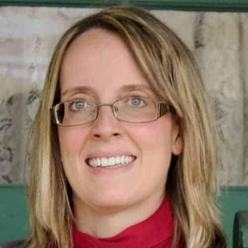 headshot of Joanna May, founder of May virtual Assists